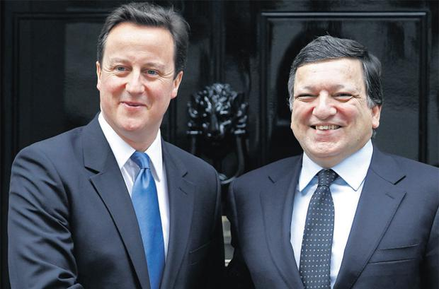 British Prime Minister David Cameron (left) delivered a rap on the knuckles to EU Commission head Manuel Barroso