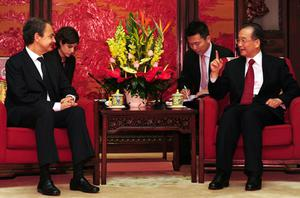 Spain's Prime Minister Jose Luis Rodriguez Zapatero listens to his Chinese countepart Wen Jiabao during a meeting at Zhongnanhai in Beijing on April 12. Photo: Getty Images