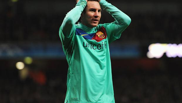 A disappointed Lionel Messi reacts after missing a chance during Barcelona's defeat against Arsenal. Photo: Getty Images