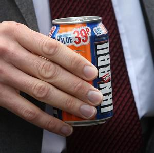 European politicians have eased proposed curbs on the use of a colouring crucial to Irn Bru