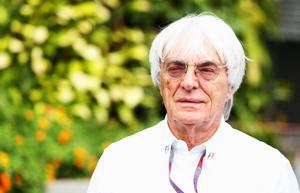 SINGAPORE - SEPTEMBER 23:  F1 supremo Bernie Ecclestone arrives in the paddock before the Singapore Formula One Grand Prix at the Marina Bay Street Circuit on September 23, 2012 in Singapore, Singapore.  (Photo by Robert Cianflone/Getty Images)