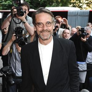 Jeremy Irons looks set to join the cast of Beautiful Creatures