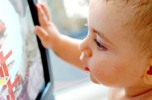 Children are in danger of developing an addiction to screen technology, a psychologist has warned