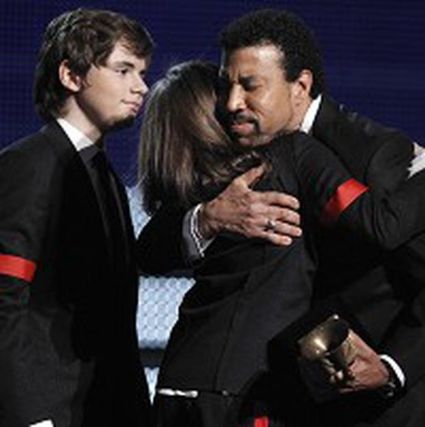 Lionel Richie presented Michael Jackson's children with his award