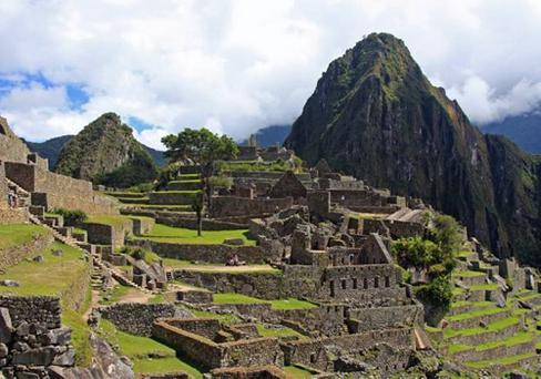 The iconic Inca ruins at Machu Picchu