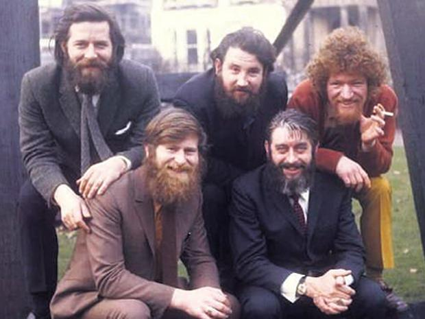 Ronnie Drew as a member of the legendary Dubliners in 1970
