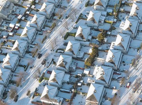 Estates on the southside of Dublin were left covered in a blanket of snow after heavy snowfall yesterday morning