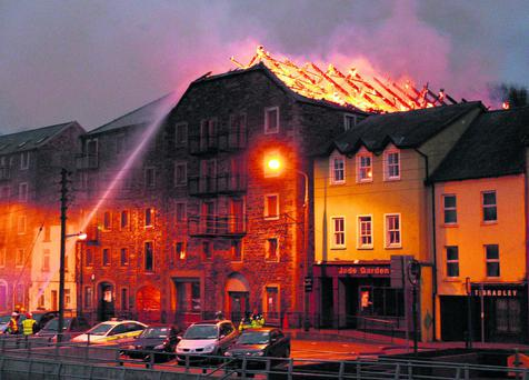 News. 20/1/2012. Fire broke out at appartments at The Quay, New Ross, Co. Wexford this evening. Photo Mary Browne
