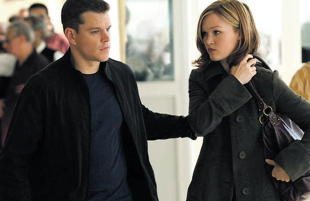 Julia Stiles stars alongside Matt Damon in The Bourne Ultimatum