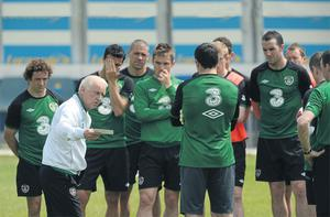 Giovanni Trapattoni addresses his players during the Irish training session in Montecatini yesterday – the Irish manager is determined to move on from the furore surrounding his decision to omit Kevin Foley from his squad in favour of Paul McShane