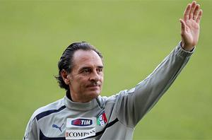 Italy's coach Cesare Prandelli waves during a training session at Tardini Stadium in Parma on Monday. Photo: Reuters