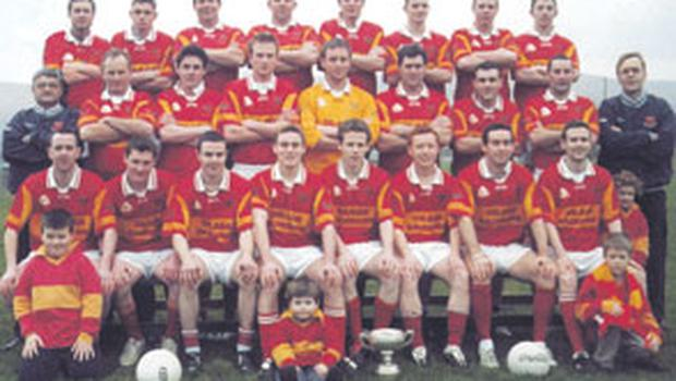 The last time the team had success was in 2005 when the team pictured above won the South Kerry Football Championship. Twelve of that panel have since emigrated.