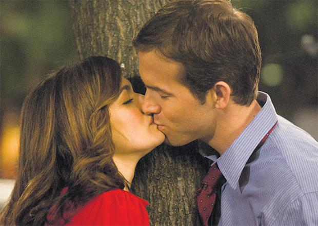 Sealed with a kiss: Rachel Weisz and Ryan Reynolds in Definitely, Maybe