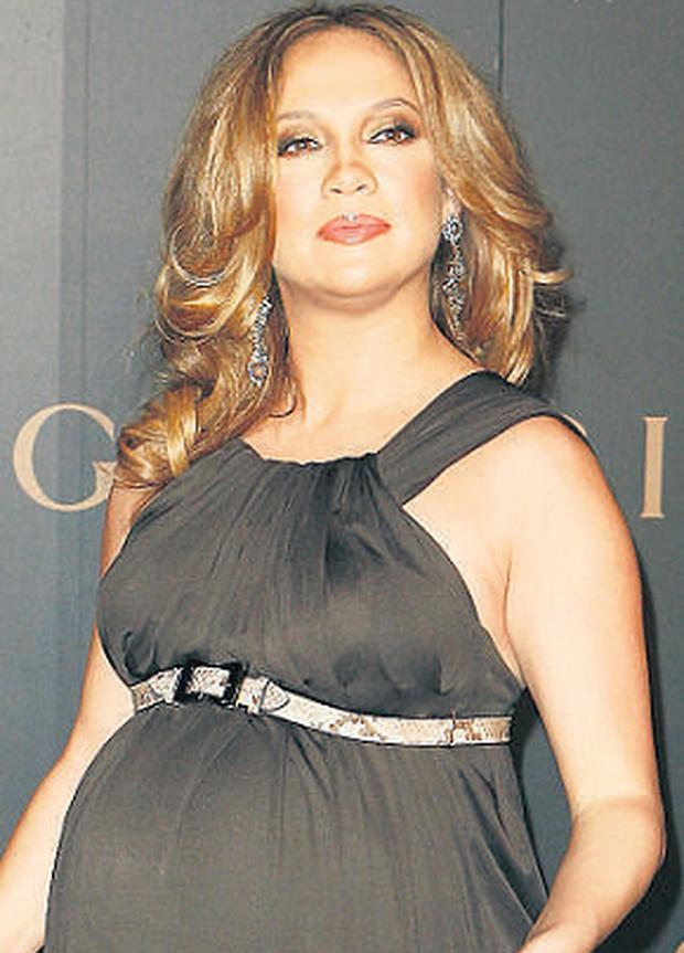 Gym Bound J Lo To Shed Pregnancy Pounds Independent Ie
