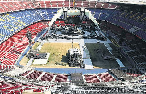 The configuration of the stadium on the opening nights of the tour in Barcelona last week meant the stage was close to one end but still had seats on all sides