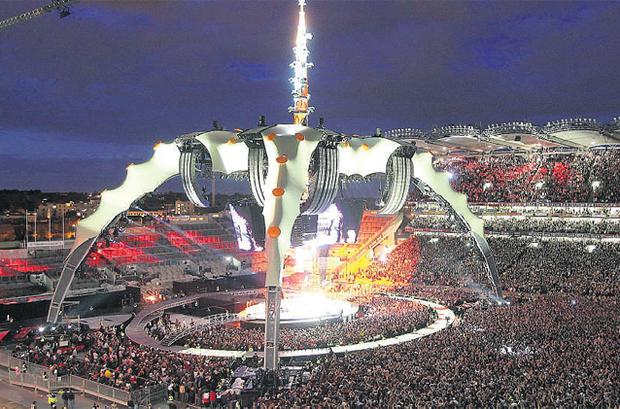 U2 set the 'Claw' stage alight with their 360° Tour live performance at Croke Park in Dublin