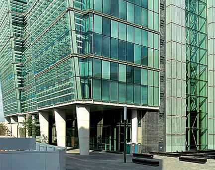 The office block in Birmingham, known as 1 Snowhill, sold by Sean Mulryan, is 85pc pre-let to KPMG and Barclays at £33 per sq ft