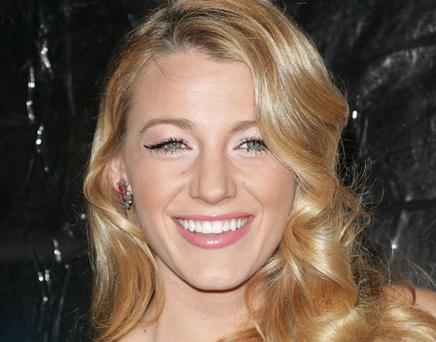 Blake Lively's shiny, expertly highlighted locks look effortlessly boho-luxe. Photo: Getty Images
