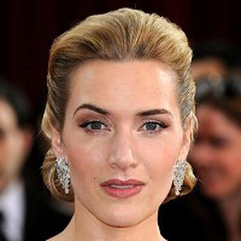 Kate Winslet is to present a gong at the Golden Globes