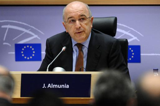 EU Commissioner Almunia: 'We won't accept rises in bonuses at State-aided banks'