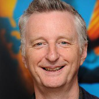 Singer Billy Bragg is to give a speech in Hyde Park against bonuses at RBS