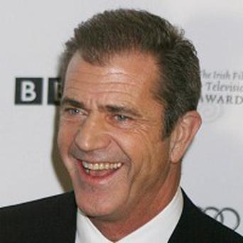 Mel Gibson has found quitting smoking a challenge