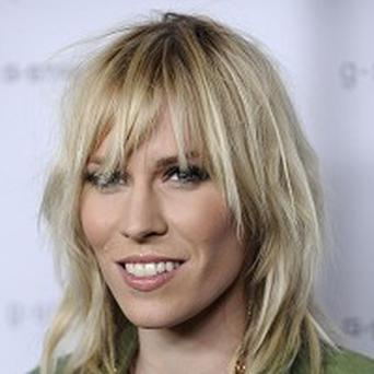 Natasha Bedingfield likes to sleep naked with her husband