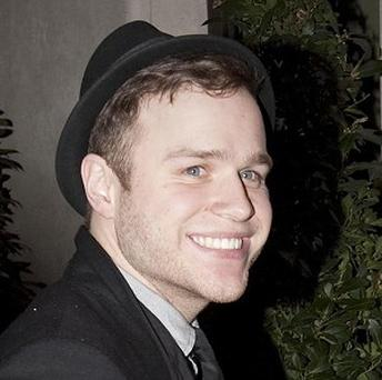 Olly Murs has signed a record deal