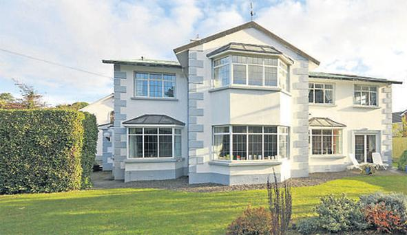 Seven bedroom detached house with two bedroom mews.