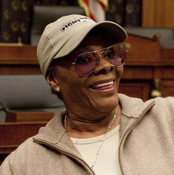 Dionne Warwick thinks radio stations should pay royalties to performers