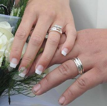 A newly married US couple spent their first night in separate jail cells