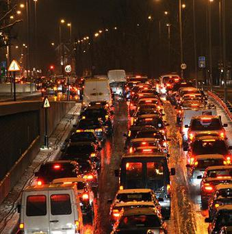 Police ordered drivers in Moscow to use their own cars as a roadblock to catch a fugitive