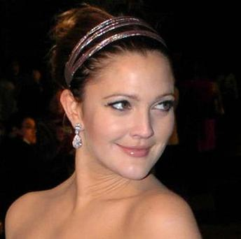 Drew Barrymore says she won't have cosmetic surgery