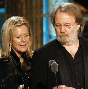 Benny Andersson and Anni-Frid Lyngstad accpet Abba's induction