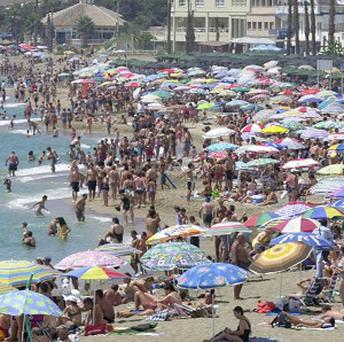 Britons are generous with tips on holiday, a survey shows