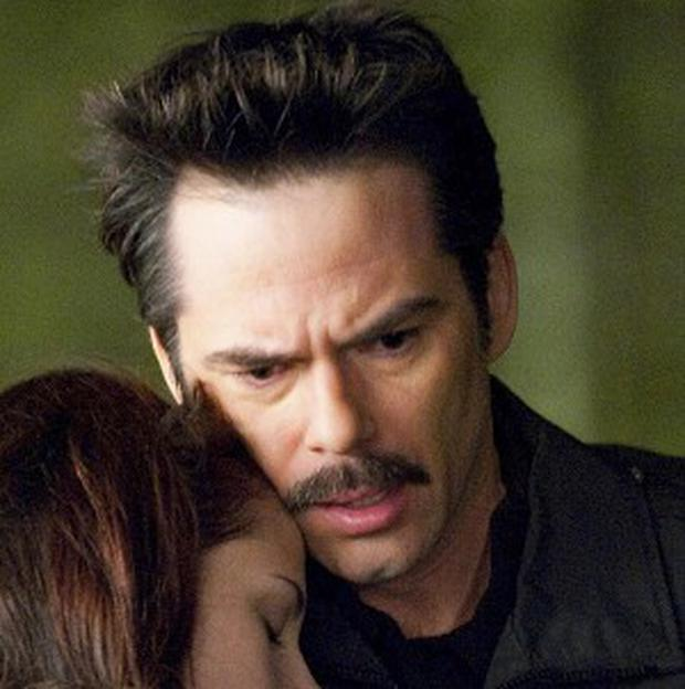 Billy Burke has to grow a moustache for every Twilight film