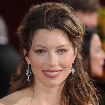 Jessica Biel may be starring in Mob Girl