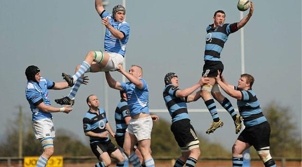 Shannon's Paddy Butler takes the ball in the line-out ahead of Garryowen's Dave Sherry during the AIL Division 1A clash on Saturday. STEPHEN MCCARTHY / SPORTSFILE
