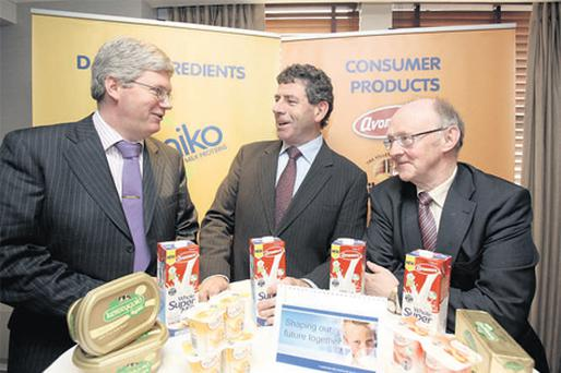 At the announcement that Glanbia Co-op had reached agreement with Glanbia plc to acquire its Irish dairy and agri businesses were, from left, Micheal Horan, group finance director designate, with Liam Herlihy, chairman of Glanbia Co-op, and Geoff Meagher, interim group managing director.
