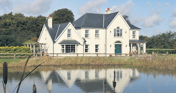 Five-bedroom detached house on 10 acres