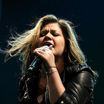 Kelly Clarkson's Indonesia gig is going ahead without tobacco sponsorship