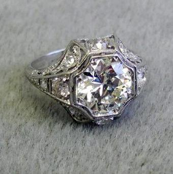 A retired jeweller found this 2.6-carat diamond ring amongst charity donations
