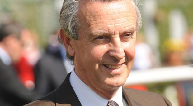 Jim Bolger: saddles Akdarena