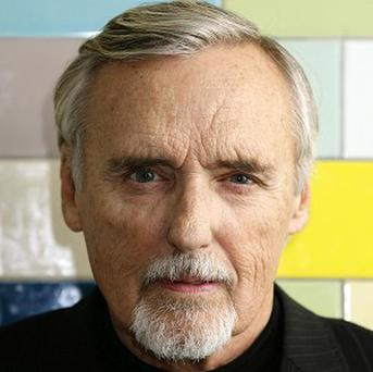 Stars turn out for funeral of Dennis Hopper