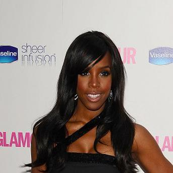 Kelly Rowland performed her new single Commander in Singapore