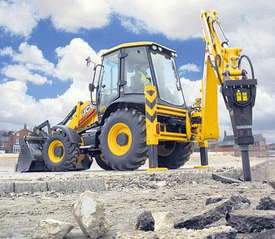 Under the bonnet is where JCB says this backhoe loader offers the best bargain, giving customers average fuel savings ranging from 6-16pc, largely due to the use of its EcoDig system