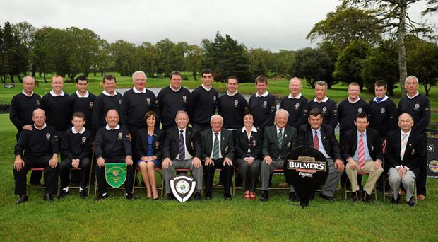 Clontarf GC, winners of the Bulmers GUI Jimmy Bruen Shield, 2010. Back row, left to right: Paul Kealy, Paul O'Brien, Adam Burke, Ciaran O'Donohue, Tony Duffy, Dave Cameron, Mark O'Flynn, Alan Stone, Graham Fahy, Sean Stone, Frank Kellett, Ray Maguire, Stephen Kealy, Bobby Doyle. Front row, left to right, Paul McLoughlin, Conor Stone, Dave Dalton, Manager, Frances Hand, Lady Captain Clontarf GC, Kevin McLoughlin, President Clontarf GC, Sean MacMahon, President GUI, Antoinette Starken, Lady Captain Castlebar GC, Seamus Smith, General Secretary GUI, Mick Byrne, Club Captain Castlebar GC, Marty Carlin, Territory Manager Bulmers, John Farragher, President Castlebar GC. Photo: Ray McManus / Sportsfile