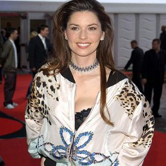Shania Twain is to publish an autobiography