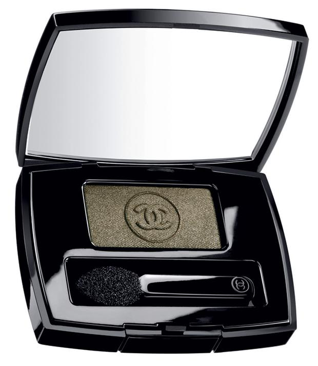 Chanel Soft Touch Eyeshadow in Vert Khaki