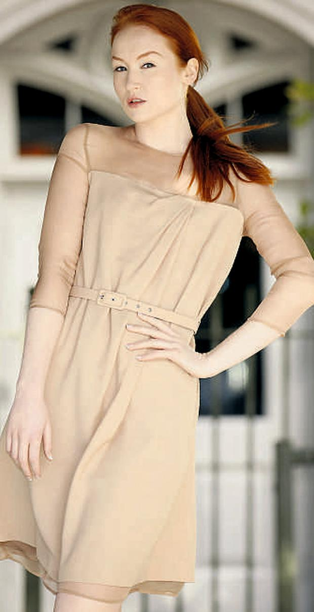 Camel crepe fitted dress with belt for €290